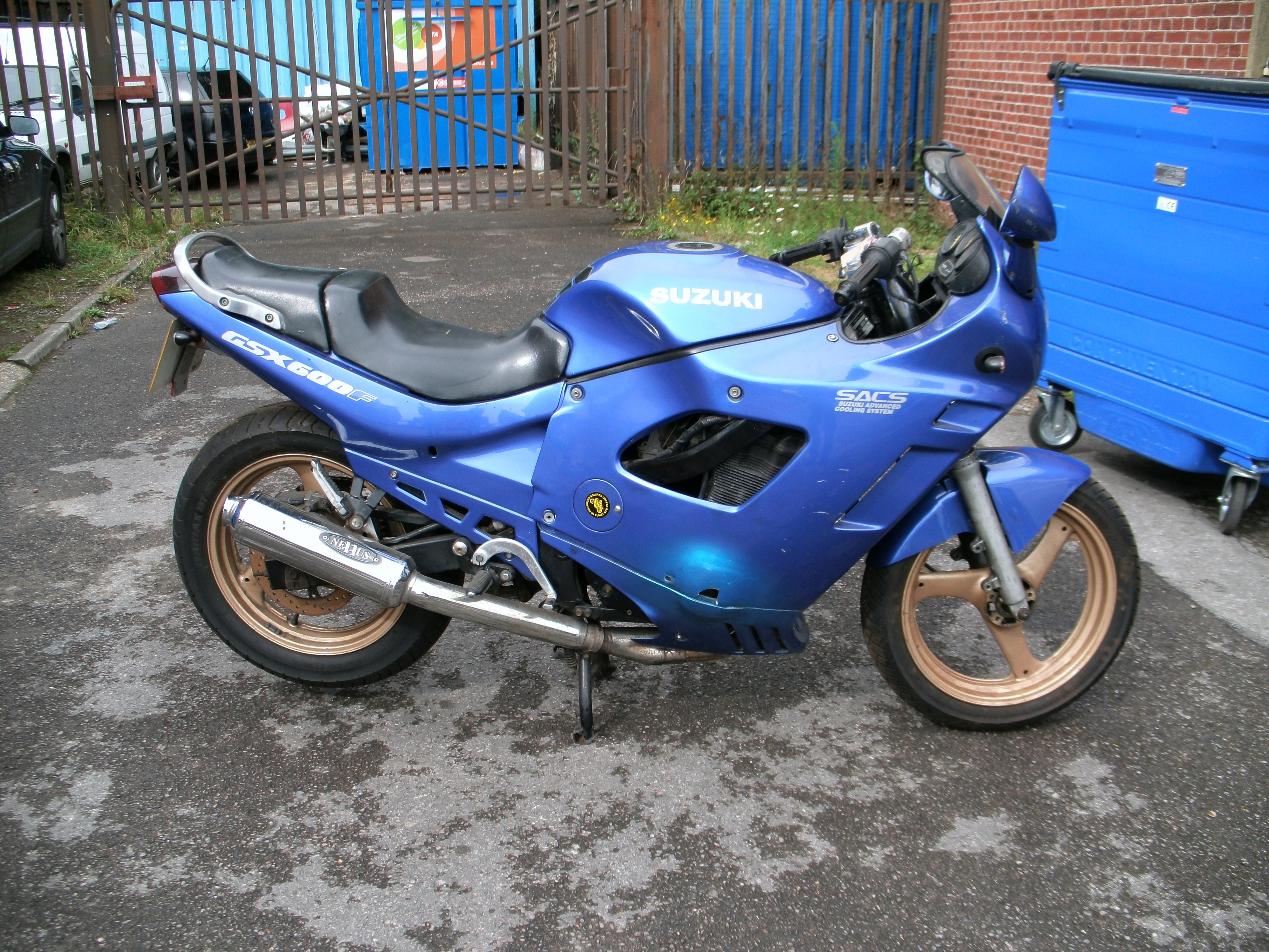 GSX600FL 1990 breaking